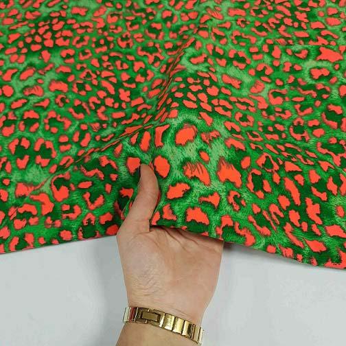 پارچه کرپ سیلک طرحدار رنگ سبز